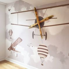 Get inspired with these aviation themed decorations and furnishings to create a unique kids' room.