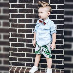Geef+je+zoon+die+stoere+look!+Prachtige+korte+kapsels+voor+jongens+met+opgeschoren+zijkantjes