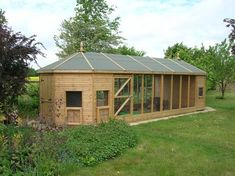 Outdoor Accommodation - now that's what you call a catio! Outdoor Cat Tunnel, Outdoor Cats, Outside Cat Enclosure, Cat Hotel, Cat Cages, Cat Run, Cat Playground, Cat Shedding, Rabbit Hutches