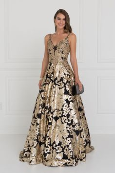 Extravagant prom and evening gown gls 1511 Simply Fab Dress Dresses 2018 Shine like a star in this extravagant celebrity inspired black evening gown with gold floral sequins. A glamorous prom dress adorn with sparkly all over gold se Unique Formal Dresses, Stunning Dresses, Formal Gowns, Beautiful Gowns, Elegant Dresses, Mob Dresses, Fashion Dresses, A Line Long Dress, Lace Dress