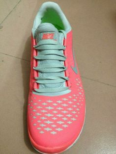 #Site full of Nikes 50% off!!! These are $49
