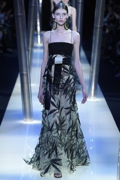 Love that pattern. [Giorgio Armani Privé Couture Spring 2015 - Slideshow] #coture #fashion #spring2015