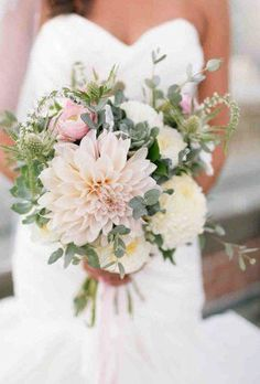5 Simple and Impressive Tips: Wedding Flowers Greenery Winter bright winter wedding flowers. Dahlia Wedding Bouquets, Dahlia Bouquet, Modern Wedding Flowers, Yellow Wedding Flowers, Wedding Table Flowers, Wedding Flower Decorations, Wedding Flower Arrangements, Bridal Flowers, Floral Wedding