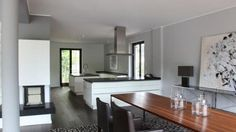 Het interieur van het huis van Rafael en Sabia !  #Rafael #Vandervaart #Sabia #voetbal #soccer #Oranje #villa #huizen #architectuur #architecture #interior #interieur #Hamburg #design #dinner #room #eet #kamer