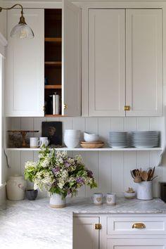 Home Interior Inspiration .Home Interior Inspiration Diy Kitchen, Kitchen Dining, Kitchen Decor, Kitchen Cabinets, Cream Cabinets, Family Kitchen, Kitchen Recipes, Design Kitchen, Home Design