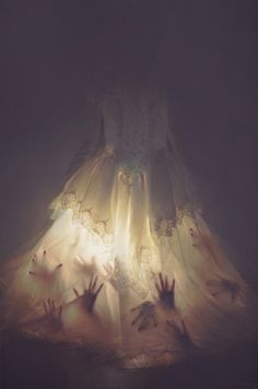 creepy dress, gives me some great ideas..Not for me but F'ing awesome.