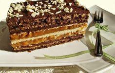 Prajitura cu blat de nuca, foi de napolitana si caramel Romanian Desserts, Romanian Food, Cake Recipes, Dessert Recipes, Cupcakes, Mousse Cake, Something Sweet, Yummy Cakes, Just Desserts