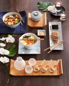 Inspired by traditional sushi serving pieces found in Asian markets, these beautiful dishes are handpainted with delicate, radiating blue lines.                                                                                                                                                                                 More