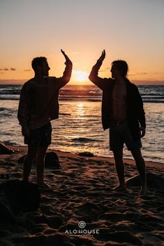 People, silhouette, friends and high five HD photo by Tyler Nix ( on Unsplash Funny Instagram Captions, Boy Pictures, Friend Pictures, Group Pictures, Creative Pictures, Bff, Friendship Images, Friendship Quotes, Beach Friends