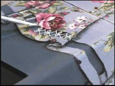 03/04/2010 - Pote com engomagem de tecido e renda