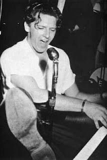 Jerry Lee Lewis on fire!