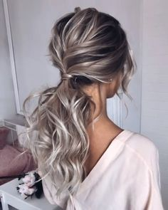 Quick Hairstyles With Bangs is part of Hairstyles And Haircuts With Bangs Therig. Quick Hairstyles With Bangs is part of Hairstyles And Haircuts With Bangs Therighthairstyles Com - Short Curly Hair, Curly Hair Styles, Thin Hair, Updo For Long Hair, Long Prom Hair, Hair For Prom, Long Hair Ponytail Styles, Updo Styles, Wavy Hair