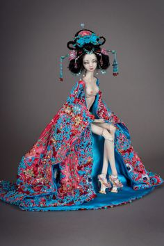 Marina Bychkova is a Russian-Canadian figurative artist and a founder of Enchanted Doll™- a luxury toy label of exquisite, porcelain dolls. More than mere playthings, Enchanted Dolls are elegantly sculpted and articulated works of art. Bjd Dolls, Doll Toys, Barbie Dolls, Doll Costume, Costumes, Toy Labels, Marina Bychkova, Enchanted Doll, Little Doll
