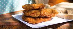 Miniřízečky v parmazánové krustě Cornbread, Meat, Chicken, Ethnic Recipes, Food, Millet Bread, Essen, Meals, Yemek