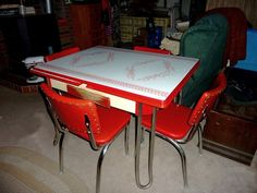 Retro 1950's Vintage chrome, Kitchen table set, 4 red vinyl chairs, PICK UP ONLY