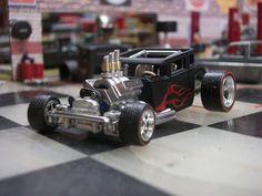 Jimi Hotwheels boneshaker with working steering 5 Custom Hot Wheels, Hot Wheels Cars, Custom Cars, Bone Shaker, Matchbox Cars, Remote Control Cars, Trucks, Top Cars, Diecast Models