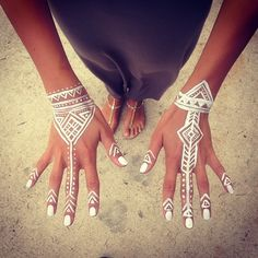 White henna!....but I'd need to be real tan for this to work out...and teal nails