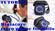 Tutoriel : téléphone rétro miniature pour nos doll ☎️📞☎️ Telephone Retro, Retro Phone, Barbie, Doll Tutorial, Pet Shop, Miniatures, Dolls, Youtube, Pasta