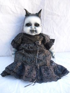 pictures of altered porcelain dolls | Add it to your favorites to revisit it later.