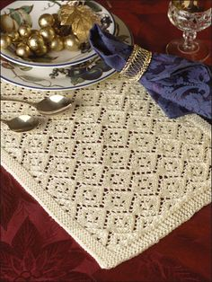 34 Ideas For Crochet Table Runner Lace Place Mats Crochet Cat Pattern, Crochet Headband Pattern, Crochet Flower Patterns, Knitting Patterns, Crochet Baby Socks, Crochet Slippers, Crochet Yarn, Irish Crochet, Christmas Table Cloth
