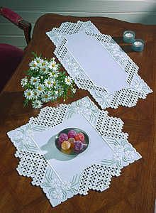 White Daisy Hardanger Table Mats - hardanger kit by Permin of Copenhagen - White table mats with sprays of daisies. Hardanger Embroidery, Embroidery Stitches, Embroidery Patterns, Hand Embroidery, Modern Embroidery, Cross Stitches, Embroidery For Beginners, Embroidery Techniques, Bookmark Craft