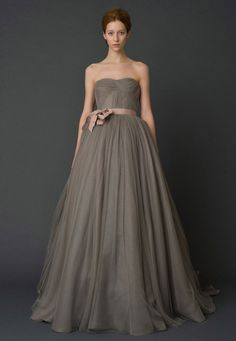 robe de mariée haute couture vera wang taupe -Harlow- / Carnet d'inspiration Mademoiselle Cereza
