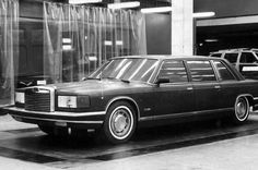 OG | ZIL-4102 / ЗИЛ-4102 | Presidential vehicle clay model. The project was abandoned after Mikhaïl Gorbatchev's disapproval.
