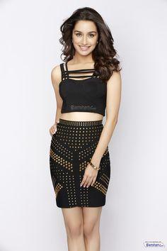 Shraddha Kapoor New Hot Bikini Photoshoot 2015 Shraddha Kapoor Bikini, Shraddha Kapoor Cute, Kareena Kapoor, Hot Actresses, Beautiful Actresses, Indian Actresses, Bollywood Stars, Bollywood Fashion, Bollywood Girls