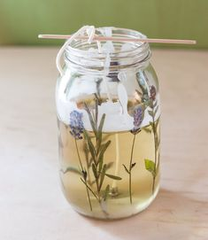 DIY Pressed Herb Candles - Pressed Herb Candles The Effective Pictures We Offer You About decoration couloir A quality pictur - Diy Candles With Flowers, Old Candles, Diy Flowers, Lavender Candles, Pink Candles, Homemade Candles, Homemade Gifts, Diy Gifts, Velas Diy