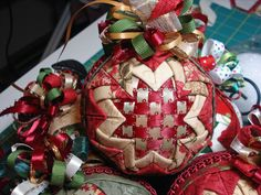 Crazy Christmas Tree Quilt & Folded Fabric Ornaments ...