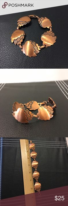 """Lovely leaf motif copper bracelet, 21.7g Lovely leaf motif copper bracelet. Measures approx 8"""" with closure and weighs a solid 21.7 grams.  In very nice preowned condition. Please ask questions prior to purchase.   trades,  lowball offers please. Jewelry Bracelets"""
