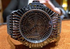 Big Bang Black Caviar, by Hublot Caviar, Mans World, Cool Watches, Wood Watch, Michael Kors Watch, Photo And Video, Leather, Accessories, Tinkerbell
