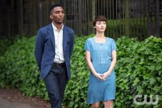 """The Originals -- """"Rebirth"""" -- Image Number: OR201a_0389.jpg -- Pictured (L-R): Yusuf Gatewood as Vincent and Natalie Dreyfuss as Cassie -- Photo: Bob Mahoney/The CW -- © The CW Network, LLC. All rights reserved."""