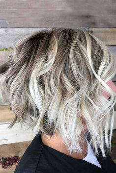 Top 40 Spring Highlight Ideas for Short Hair - Modern White Blonde Highlights, Blonde Balayage, Hair Highlights, Full Balayage, Short Balayage, Short Wavy, Short Blonde, Short Hair Cuts, Bob Hairstyles For Thick