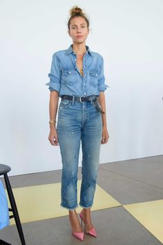 70 Younger Looks With Double Denim Ideas 24 Look Jean, Denim Look, Denim On Denim, Denim Purse, Denim Shoes, Looks Street Style, Looks Style, Denim Fashion, Fashion Outfits