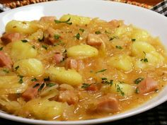 Gnocchi, cabbage and smoked - Gnocchi, cabbage and smoked - No Salt Recipes, Cooking Recipes, Healthy Recipes, Gnocchi, Quick Meals, Bon Appetit, Cheeseburger Chowder, Family Meals, Macaroni And Cheese