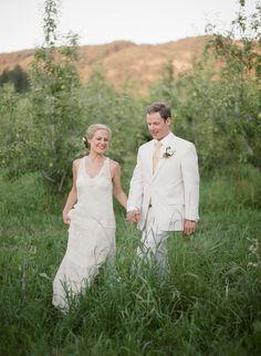 Photography: Zoe Lonergan - www.zoelonergan.com   Read More on SMP: http://www.stylemepretty.com/2014/02/10/hood-river-orchard-wedding/