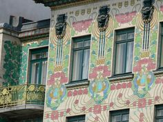 Otto Wagner's ornate Majolika Haus (Majolica House) is named after the weather-proof, painted ceramic floral designs on its façade. Despite its flat, rectilinear shape, the building is considered Art Nouveau. Art Nouveau Architecture, Amazing Architecture, Art And Architecture, Art Nouveau Design, Design Art, Otto Wagner, Examples Of Art, Colourful Buildings, Central Europe