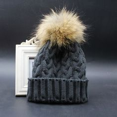 Wool Knitted Beanies Caps 100% Real Raccoon Fur Pompom Beanie Hats For Women