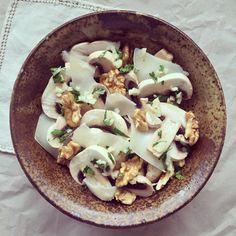 Salade de champignons au chèvre & noix