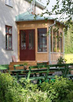UnderbaraClaras Värld Gazebo, Pergola, Porch Veranda, Glass Extension, Mudroom, Country Style, Front Porch, Outdoor Spaces, Countryside
