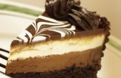 **the real** Black Tie Mousse Cake by Olive Garden. Time consuming, but worth it if I don't have to go to Olive Garden to get my fix. White Chocolate Chips, Melting Chocolate, Decadent Chocolate, Chocolate Desserts, Chocolate Cake, Chocolate Mouse, Chocolate Cheese, 21 Day Fix, Gastronomia
