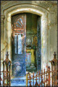 Door to the Old Mausoleum. Cementerio General de Guatemala