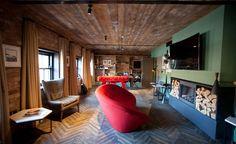 Viagens e design: The Dean Dublin Retro Interior Design, Bar Interior, Mid-century Modern, Modern Design, Dean, Dublin Hotels, Unusual Hotels, Penthouse Suite, Loft Studio