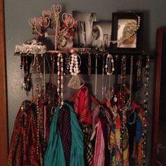 Jewelry / accessory display