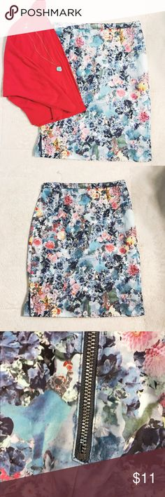 "Floral Watercolor Pencil Skirt🌺 ⚡️don't forget to BUNDLE ⚡️100% polyester floral print skirt. It is fully lined with 3 inch slits on both sides. Zipper on the back. The zipper does have a small defect, as pictured, but it doesn't mess with the function of it. Other than that it's In good condition. I ALWAYS got compliments on this skirt. It's beautiful. It's a size 4 from H&M but they do run small. Laying flat the waist is 13"" and the length is about 19"" H&M Skirts"