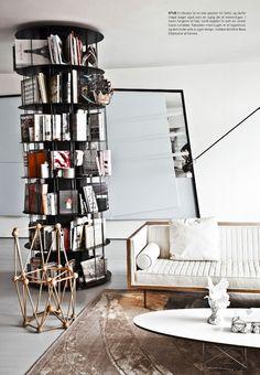 Round bookcase!