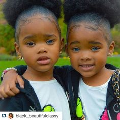 Meet the twin girls who are making the internet nuts with their rare, striking eye color - One has two blue eyes, the other has a blue eye and a brown eye. Beautiful Black Babies, Beautiful Children, Beautiful Eyes, Amazing Eyes, Cute Little Baby, Pretty Baby, Cute Mixed Babies, Cute Babies, Cute Twins