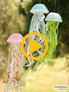 Jiggling Jellyfish: The perfect summer decoration? Homemade sea … The post Jiggling Jellyfish: The perfect summer decoration? … appeared first on Woman Casual. Summer Crafts For Kids, Summer Diy, Kids Fun, Casual Summer, Bee Crafts, Diy And Crafts, Kids Crafts, Rock Crafts, Homemade Crafts