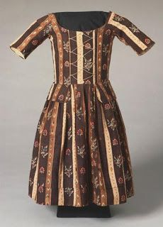 Child's dress,